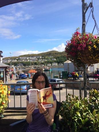 Me reading Glasdrum in 'Glasdrum'.